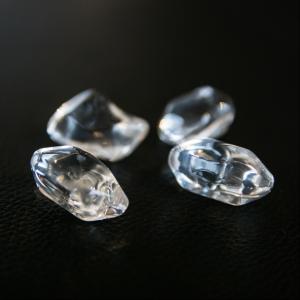 https://kratki.com/sklep/pl/produkt/3063/kamyki-ozdobne-fire-glass-krysztal-transparentny